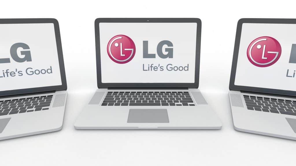 Imagem de vários notebooks LG.