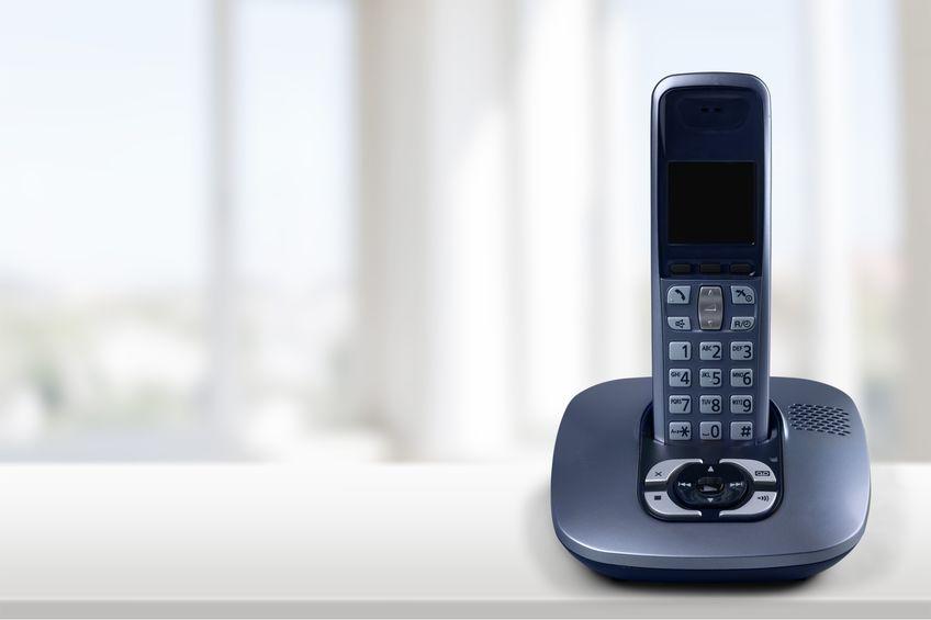 Imagem de um telefone na base.
