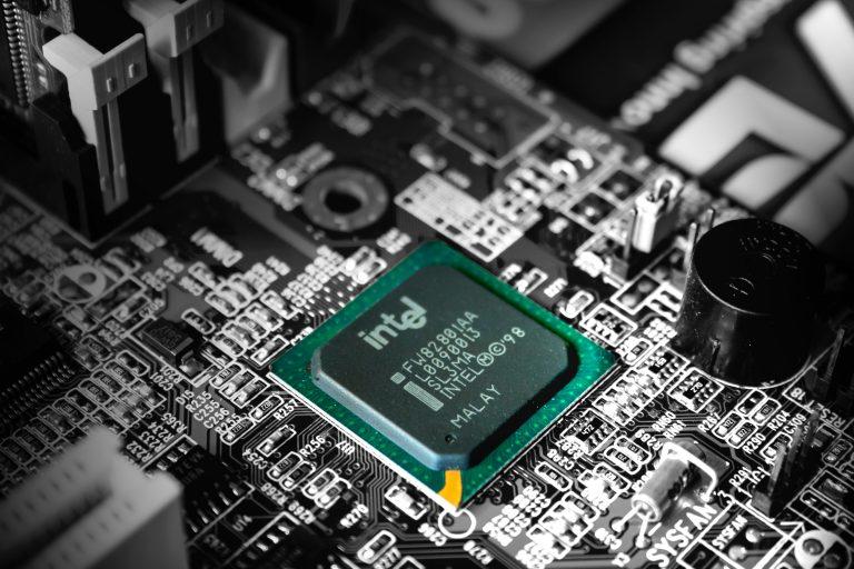Imagem de um antigo processador Intel