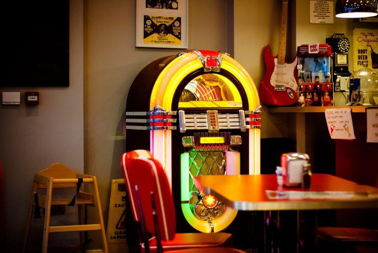 Imagem de uma jukebox.