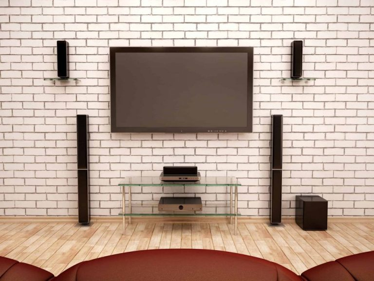 Home theater e TV.