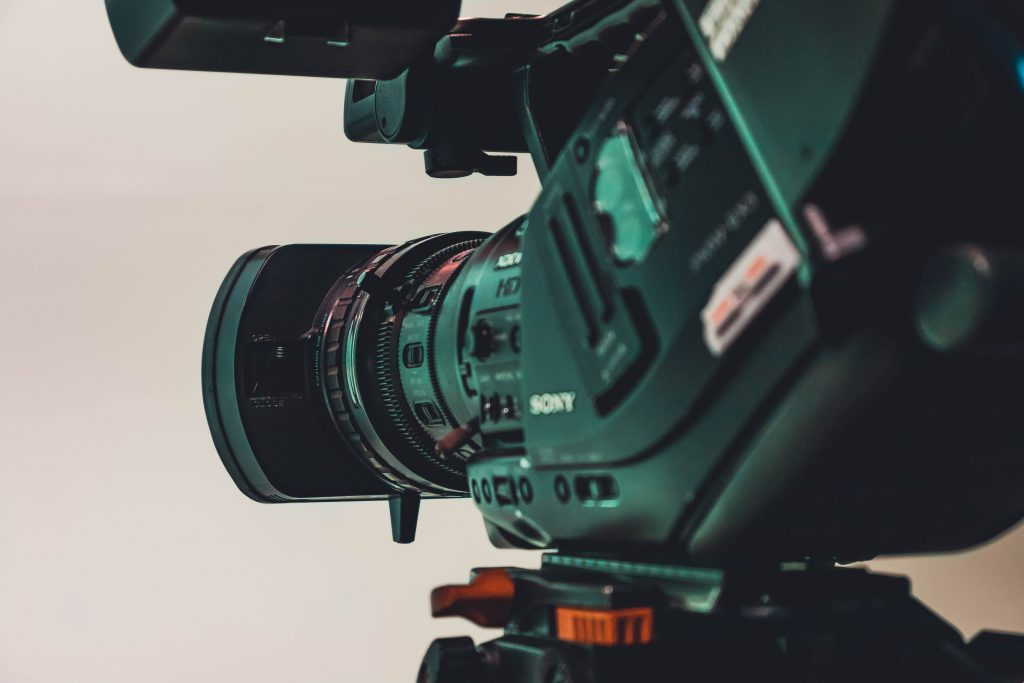 Na foto uma filmadora Sony.