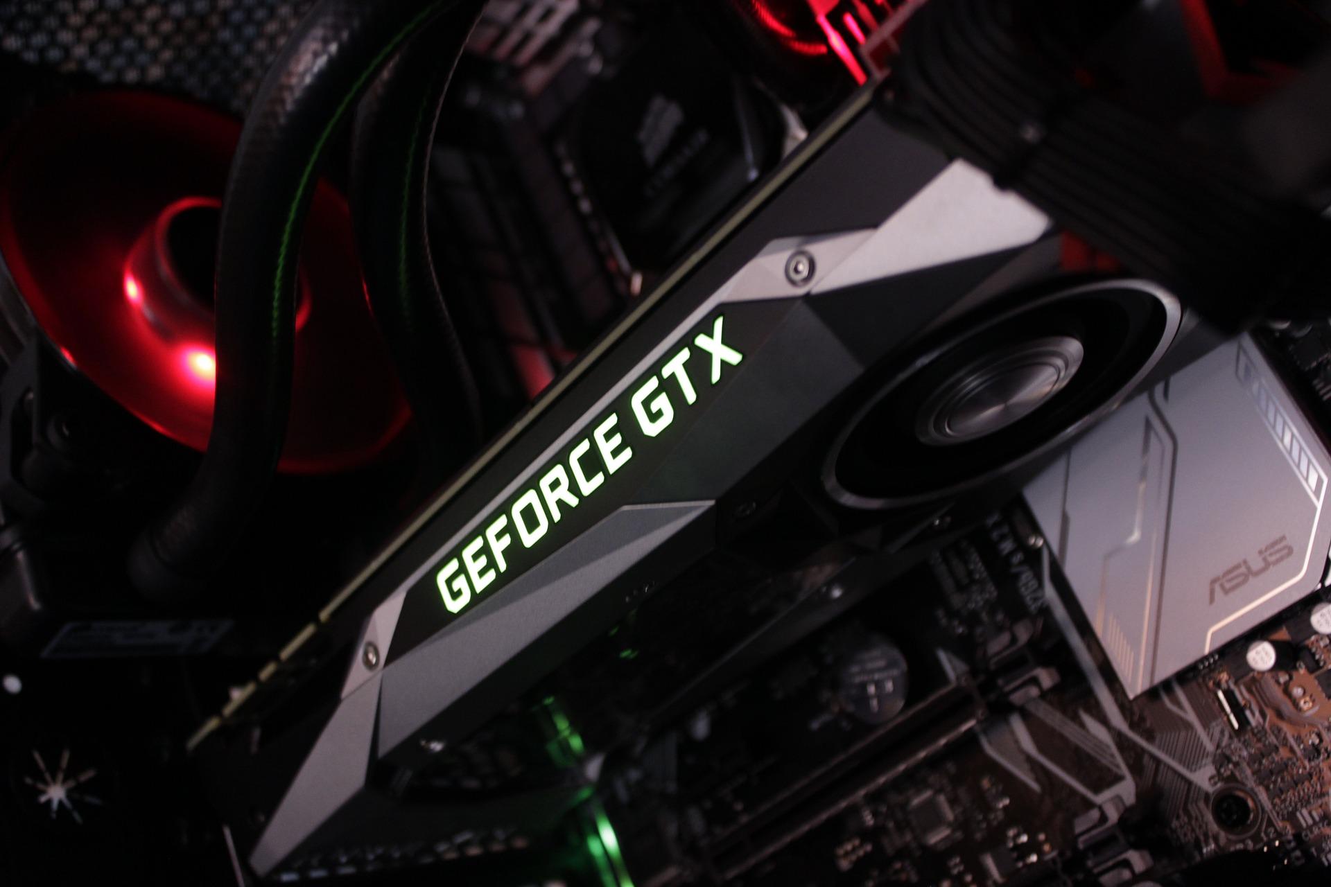 Imagem mostra uma placa de vídeo GeForce GTX em destaque.