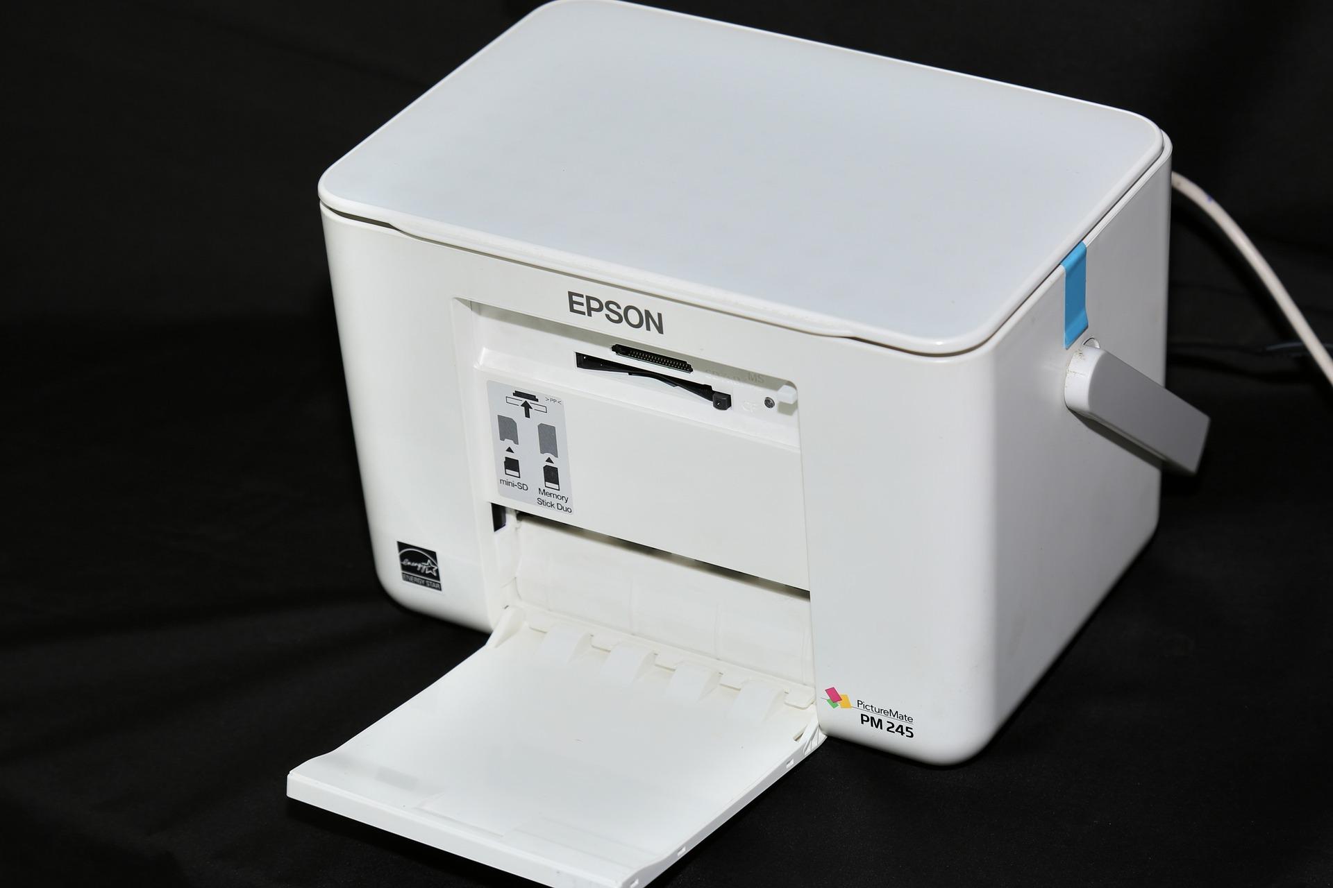 Imagem mostra uma impressora Epson.
