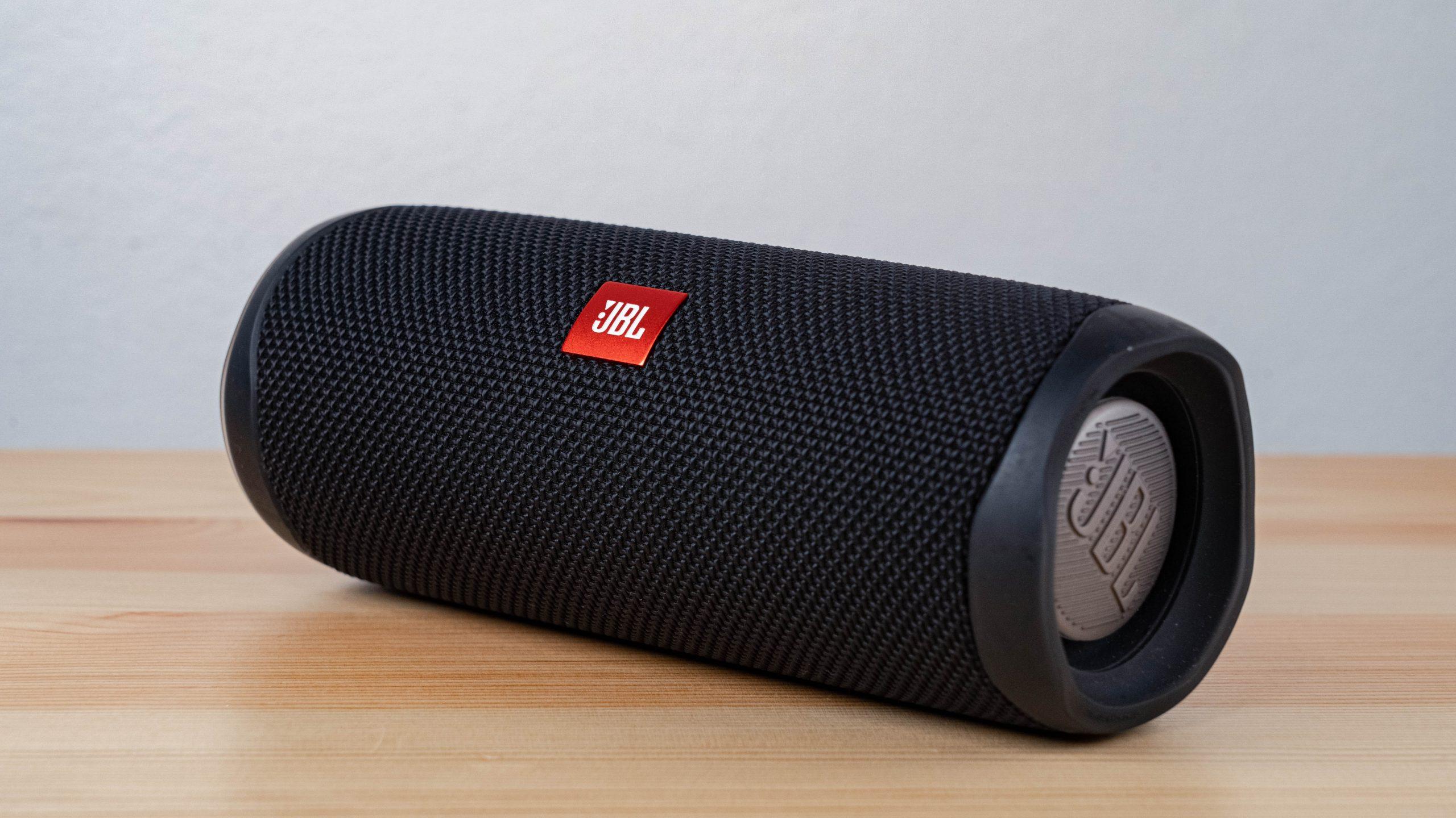 Imagem de uma caixa de som Bluetooth.