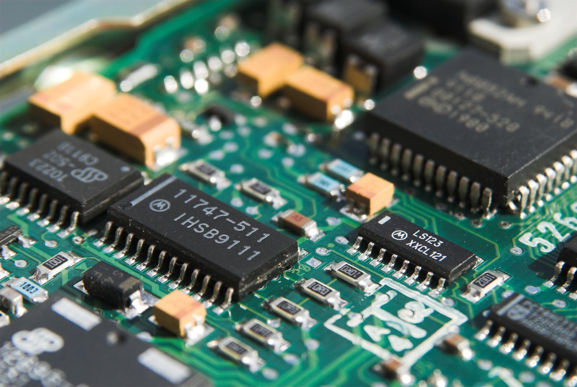 Imagem de uma placa-mãe de computador.