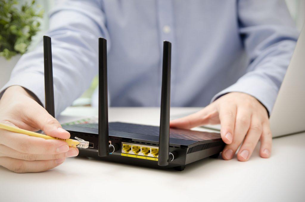 Enrutador de cable inalámbrico de banda ancha